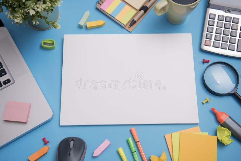 Molde do modelo de papel e artigos de papelaria da escola Projeto da tampa fotos de stock