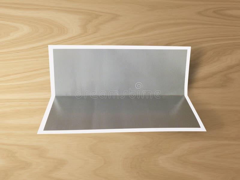 Molde dobrado vazio da foto no fundo de madeira Lateral inferior dobrado imagens de stock