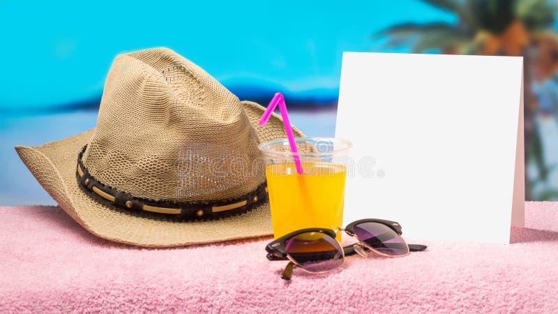 Molde tropical da bandeira da promoção do feriado com sentimento agradável do verão e da mola Fundo da campanha do paraíso para o fotografia de stock