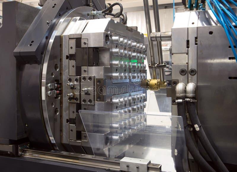 molding för maskiner för fabriksinjektion stor arkivbild