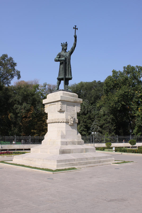 MOLDOVA CHISINAu Monument Stefan cel Mare. Monument Stefan cel Mare - architect Eugen Bernardazzi - was inaugurated in 1927 in the Public Garden of Chisinau stock photography