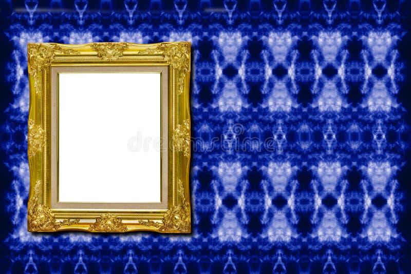 Moldura para retrato dourada antiga na textura da tela imagem de stock
