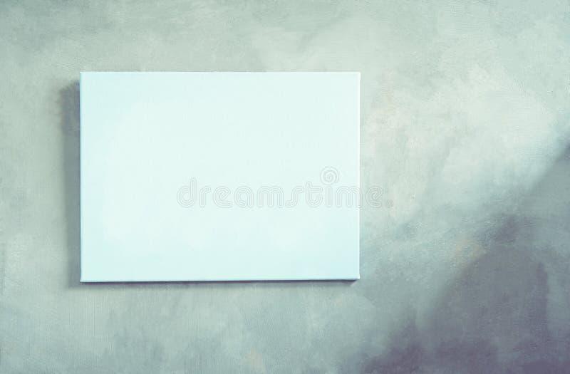 A moldura para retrato nas paredes da casa é feita do cimento imagens de stock royalty free