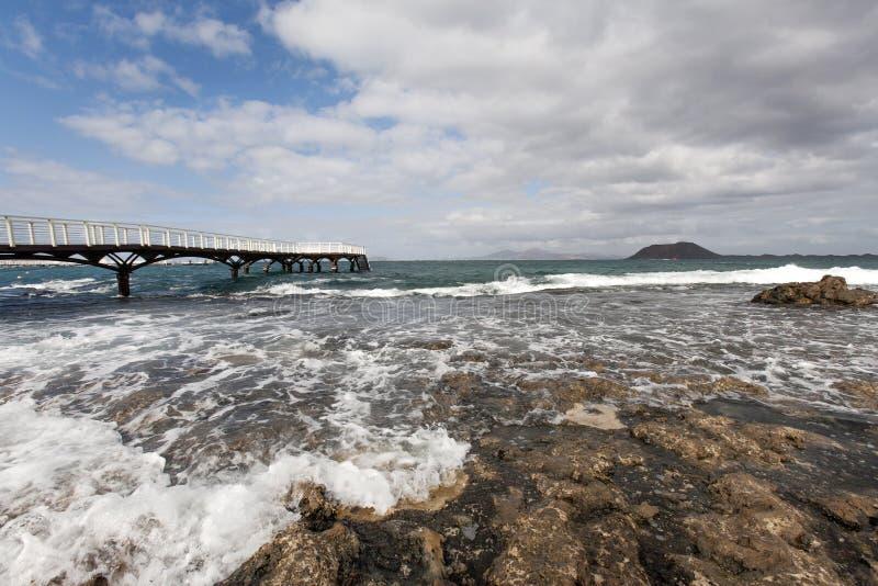 Molhe ao oceano foto de stock