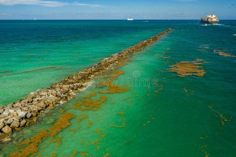 Molhe conservado em estoque aéreo Oceano Atlântico de Miami Beach da imagem fotos de stock