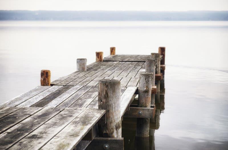 Molhe de madeira imagem de stock