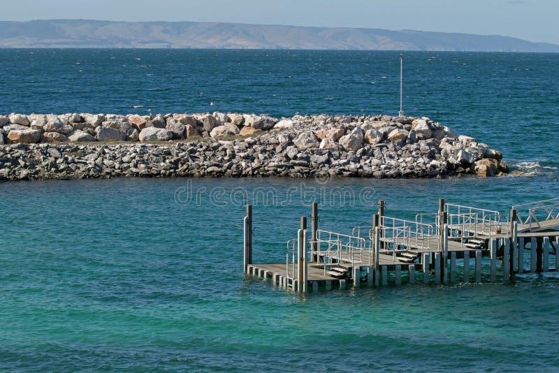 Molhe do terminal de balsa de Penneshaw na ilha do canguru em Austr sul imagens de stock