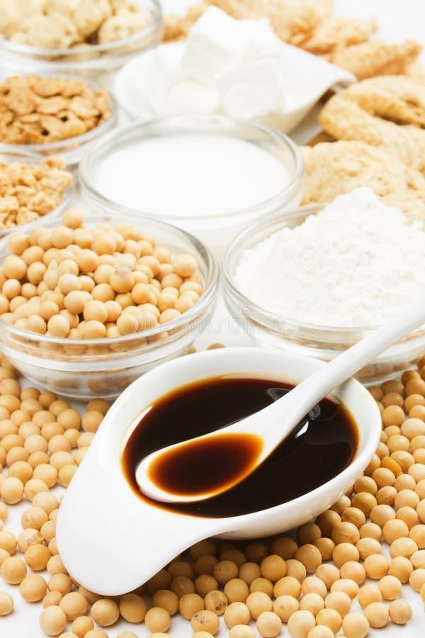 Molho de soja com outros produtos feitos do feijão de soja imagens de stock