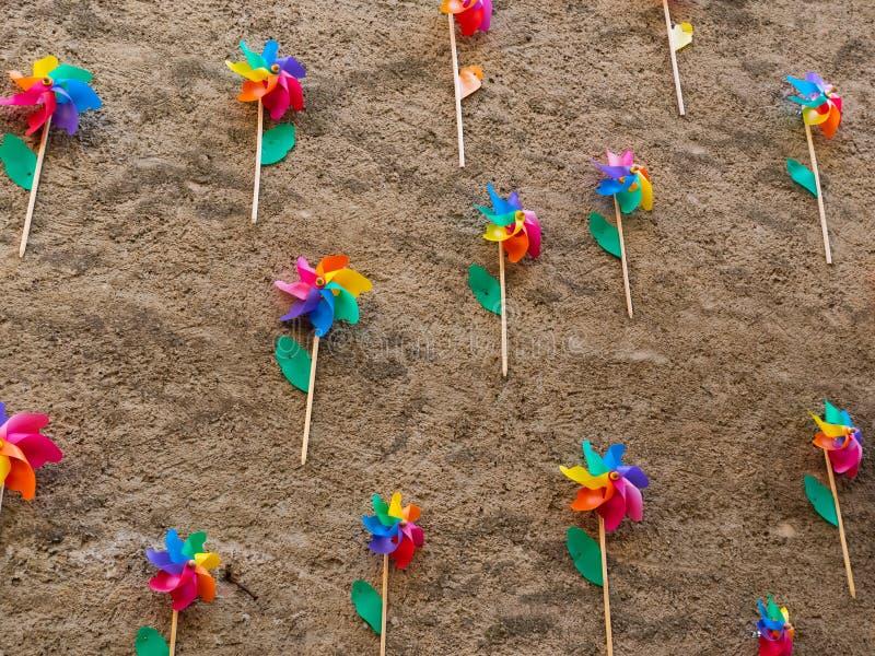 Molinillos de viento coloreados foto de archivo libre de regalías