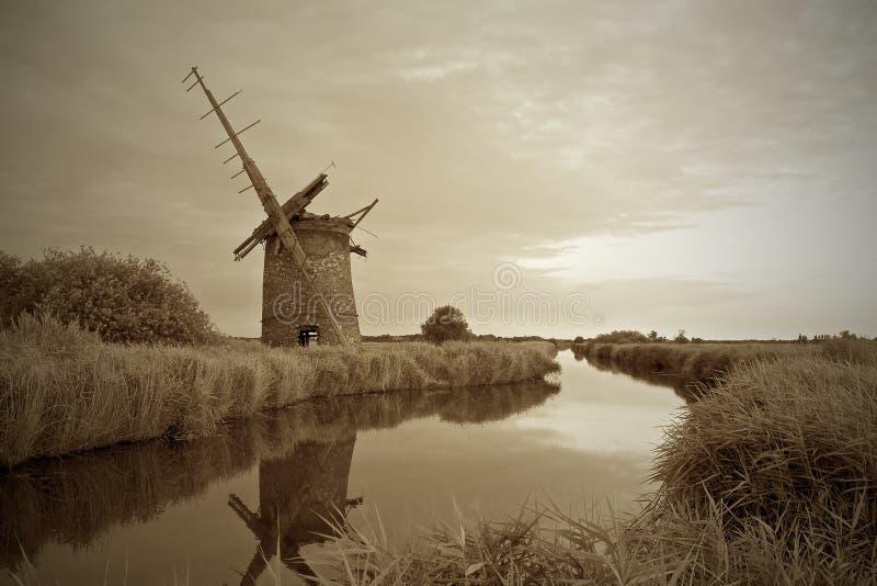 Molino de Brograve en la Norfolk Broads fotos de archivo