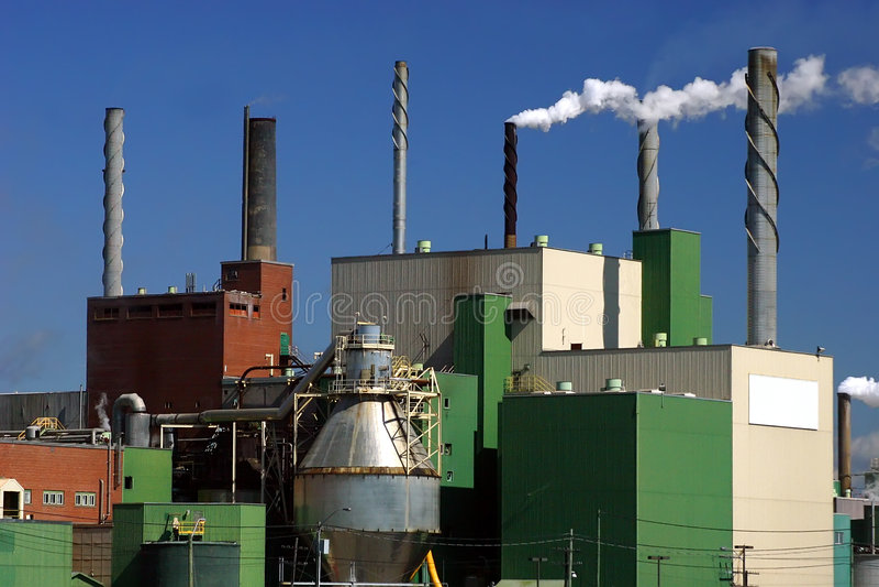 Molino de papel en Quebec, Canadá foto de archivo