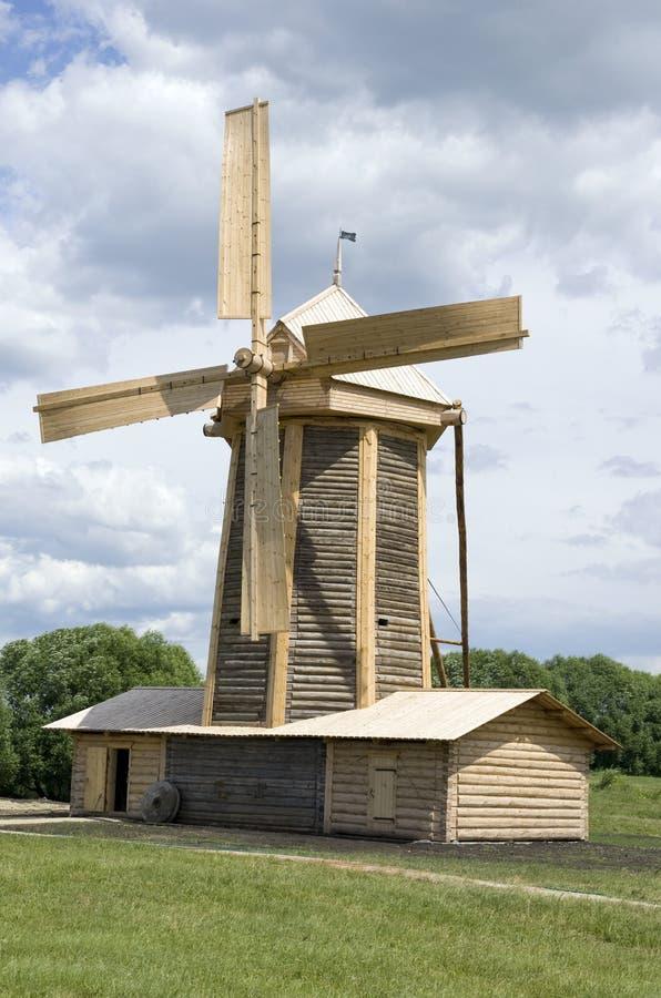 Molino de viento 2 imágenes de archivo libres de regalías
