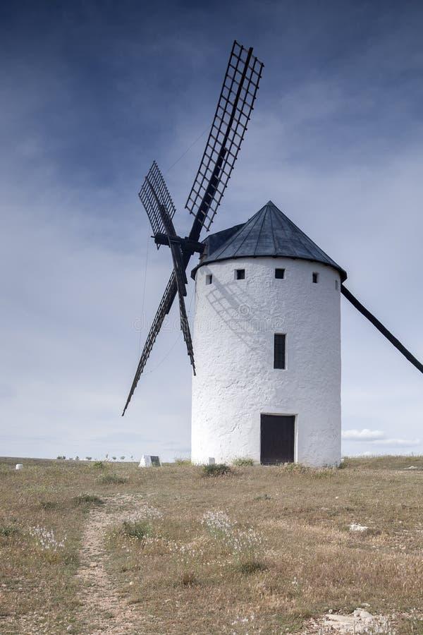 Molino de viento; Campo de Criptana fotografía de archivo