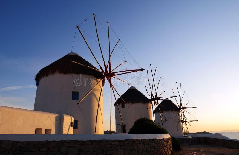 Molino de viento de Mykonos de la señal fotografía de archivo libre de regalías