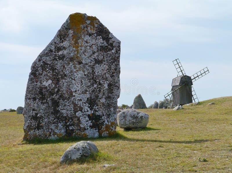 Molino de viento en el gravefield de Gettlinge imagen de archivo libre de regalías