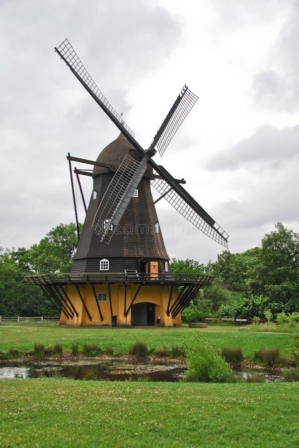 Molino de viento en el museo al aire libre de Copenhague foto de archivo libre de regalías