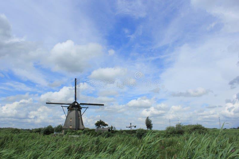 Molino de viento en Países Bajos fotos de archivo