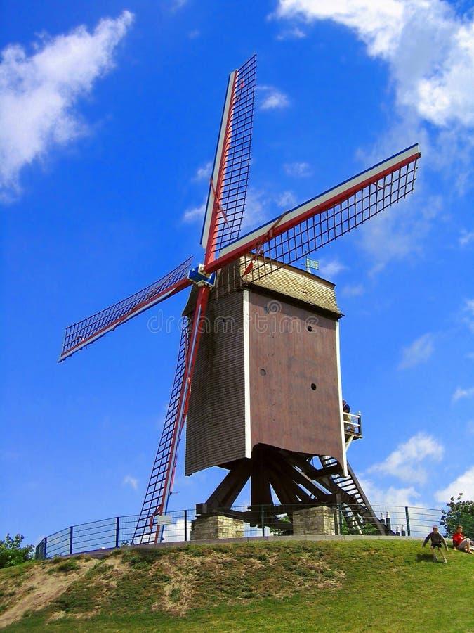 Molino de viento histórico de Sint-Janshuismolen en Brujas, Bélgica imagen de archivo libre de regalías