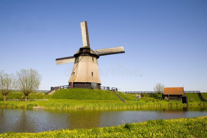 Molino de viento holandés 20 foto de archivo libre de regalías