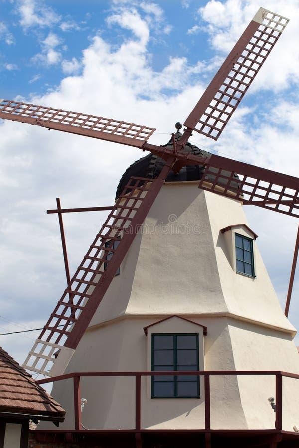 Molino de viento holandés en Solvang, CA fotos de archivo