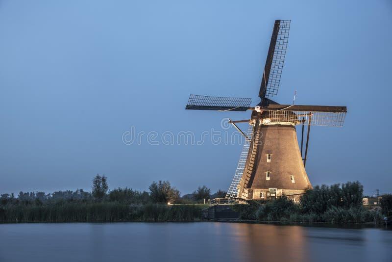 Molino de viento iluminado raro en Kinderdjik fotos de archivo libres de regalías