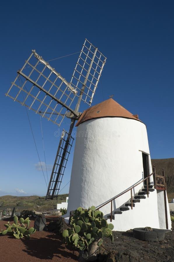 Molino de viento, Lanzarote foto de archivo libre de regalías