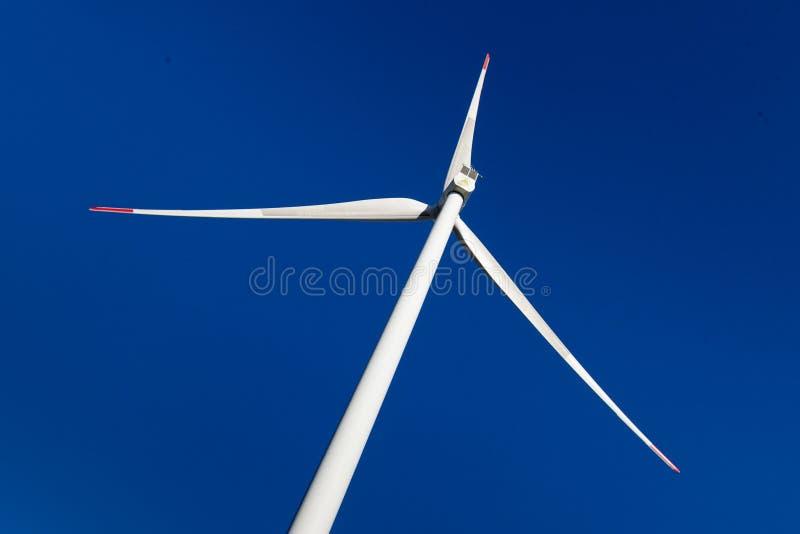Molino de viento mega con poder mega fotografía de archivo libre de regalías