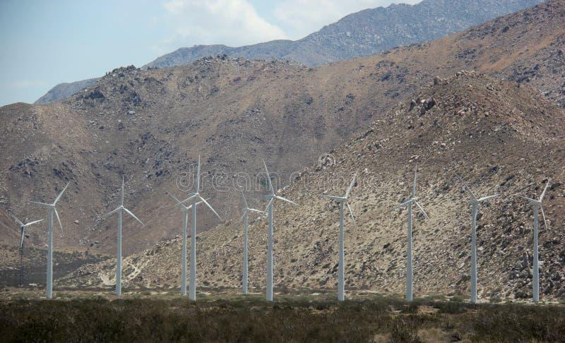 Download Molino De Viento Que Genera La Electricidad Para La Gente En Californi Meridional Foto de archivo - Imagen de conviértase, verde: 44853234