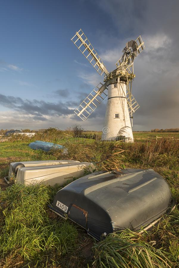 Molino de viento de Thurne en los broads de Norfolk foto de archivo