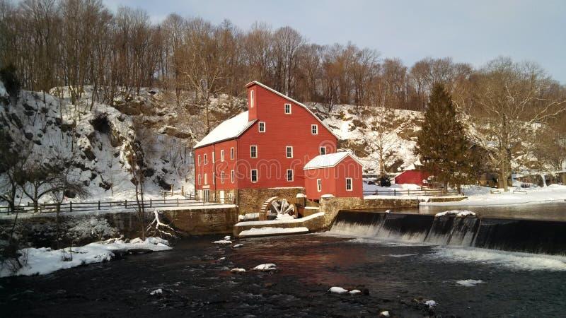 Molino en invierno fotografía de archivo
