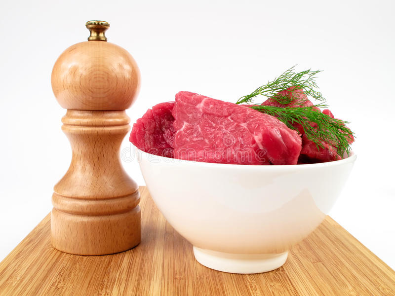 Molino sin procesar fresco de la carne de vaca y de pimienta foto de archivo libre de regalías