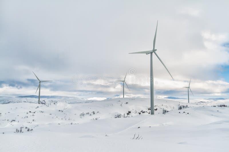 Molinoes de viento árticos imagenes de archivo