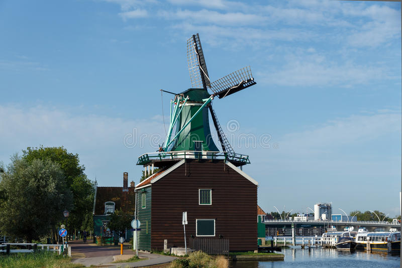 Molinoes de viento de Holanda fotos de archivo libres de regalías
