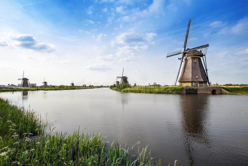 Molinoes de viento del patrimonio mundial de la UNESCO foto de archivo