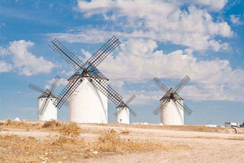 Molinoes de viento en Campo De Criptana imagen de archivo libre de regalías