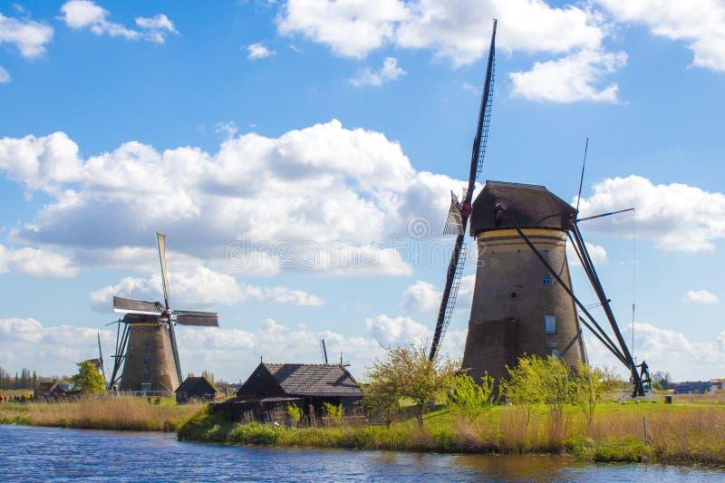 Molinoes de viento en Kinderdijk, Holanda imagen de archivo