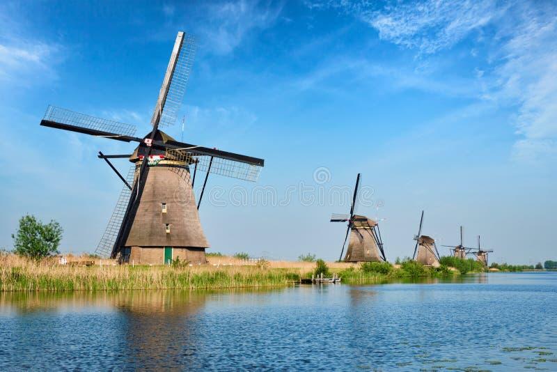 Molinoes de viento en Kinderdijk en Holanda netherlands imágenes de archivo libres de regalías