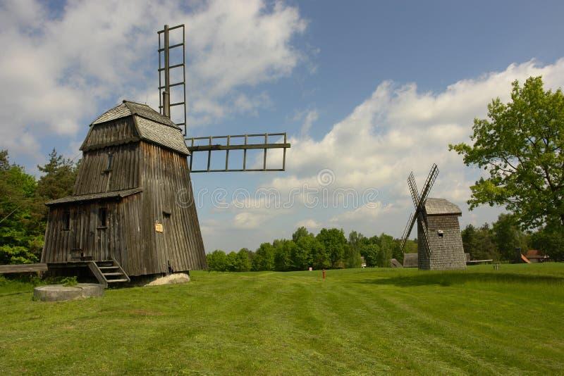 Molinoes de viento en Olsztynek fotografía de archivo libre de regalías
