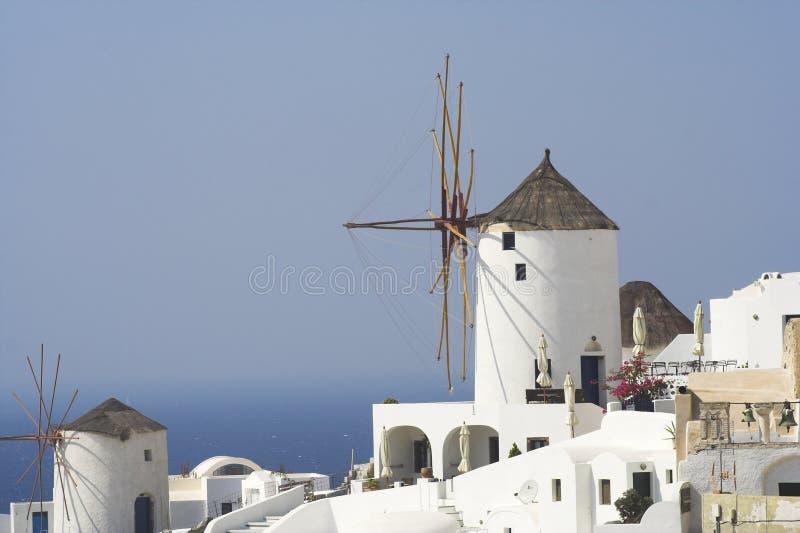 Molinoes de viento en Santorini fotografía de archivo libre de regalías