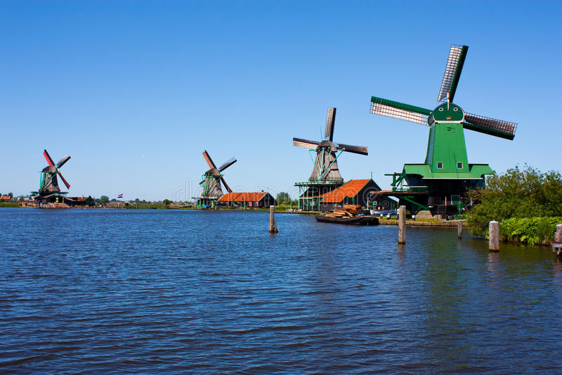 Molinos en Holanda imágenes de archivo libres de regalías