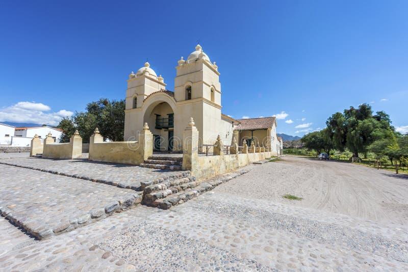 Molinos kyrka på rutt 40 i Salta, Argentina. arkivfoton