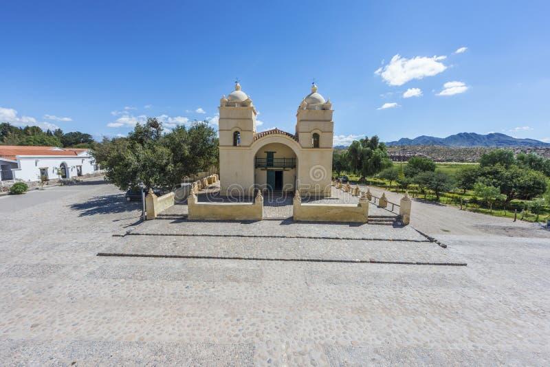 Molinos kyrka på rutt 40 i Salta, Argentina. royaltyfri foto