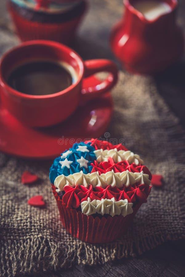 Mollete con la bandera americana imagen de archivo
