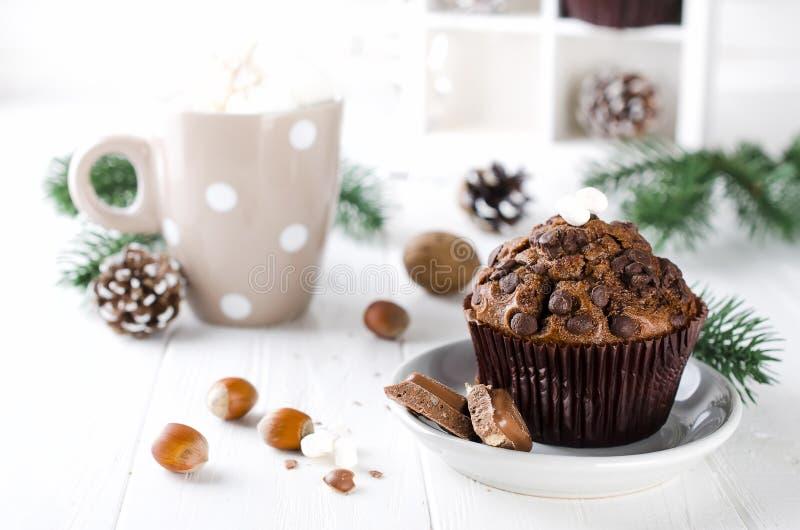 Mollete y cacao del chocolate de la Navidad foto de archivo