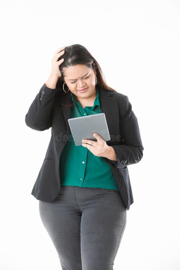 Mollige dame in slimme toevallig royalty-vrije stock foto