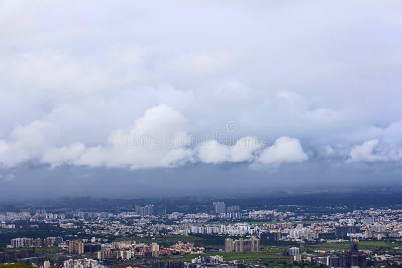 Moln över Pune under monsun på Pune, Maharashtra, Indien royaltyfria foton