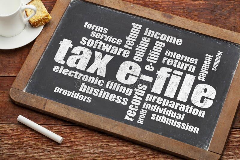 Moln för skatte-mapp ord arkivfoton