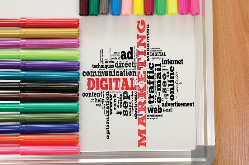 Moln f?r Digital marknadsf?ringsord stock illustrationer