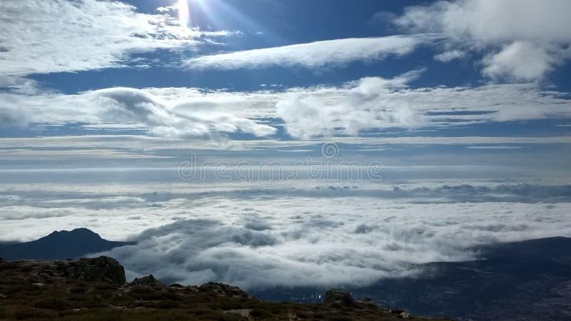 Moln från Valdemanco arkivfoto
