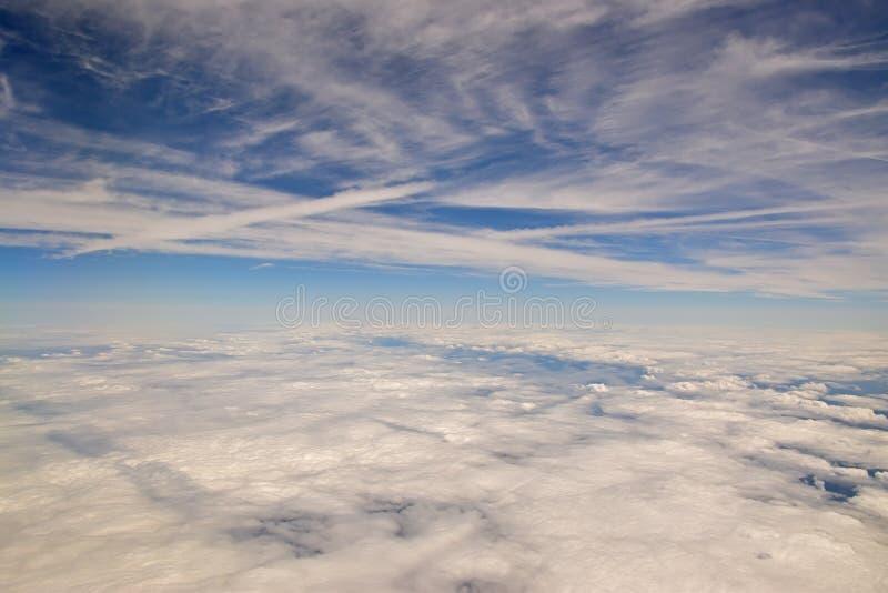 Moln i skyen fotografering för bildbyråer